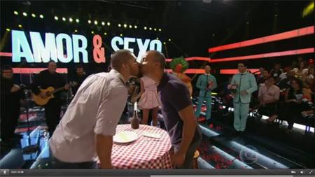 Beijo Gay em Amor&Sexo Globo